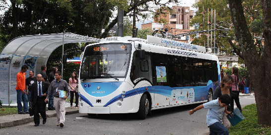 Bus eléctrico de Medellín, sin luz verde para rodar