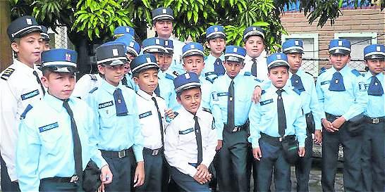 Medellín realiza el primer encuentro de agentes de tránsito infantiles