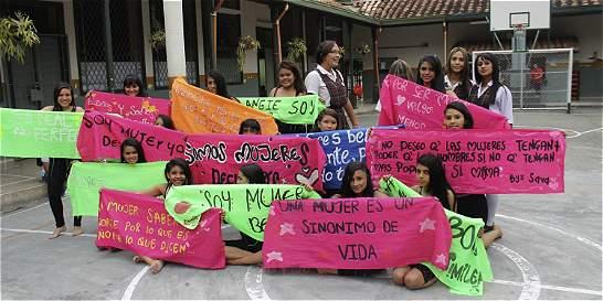 Frenan deserción femenina en los colegios más afectados de Medellín