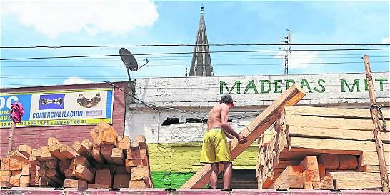 Aumentan controles por tráfico de madera en Medellín