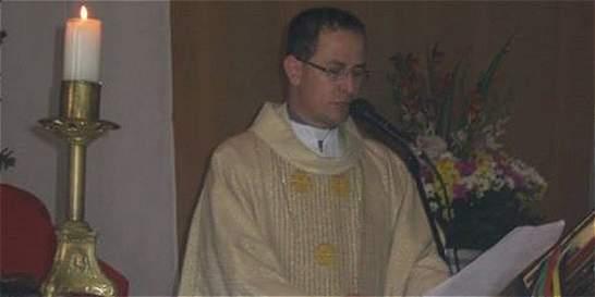 En su propia parroquia despidieron a sacerdote asesinado en Medellín