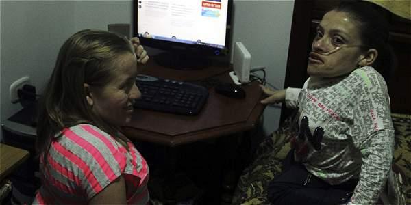 Se profesionalizaron en Antioquia por un programa virtual dela Fundación Universitaria Católica. Ahora buscan empleo.