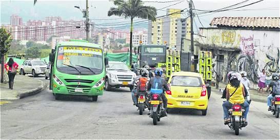 Cierre de vía en barrio Robledo de Medellín afecta a 12.000 personas