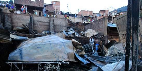 Incendio en Bello consumió 8 viviendas