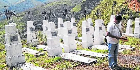 Polémica por nombre del alcalde de Dabeiba en lápidas del cementerio