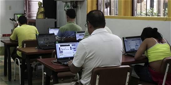Mientras región gana cobertura en internet, la capital se queda