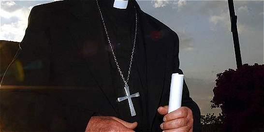 Dejan en libertad a hombre que apuñaló a sacerdote en Antioquia