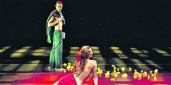 Bailarines homenajean a Gabriel García Márquez en Medellín