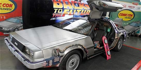 El DeLorean de 'Volver al Futuro' se despidió del Comic-Con