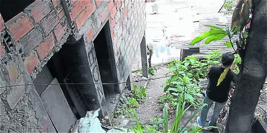 Casa abandonada asusta a 40 familias en La Iguaná, en Medellín