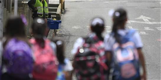 Previenen robos en colegios de Envigado, Antioquia