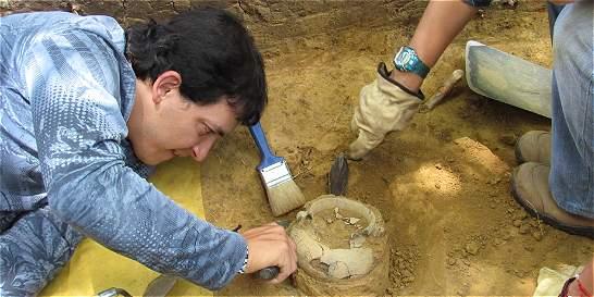 Hallan pieza arqueológica de 2.500 años en obras de Medellín