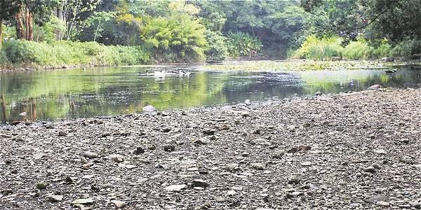 Calentamiento global seca la laguna del jard n archivo for Lagunas de jardin
