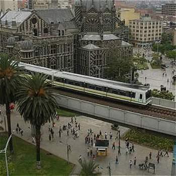 El Metro: 20 años moviendo a Medellín