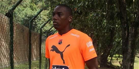 Jugador del Medellín agredió a dos policías