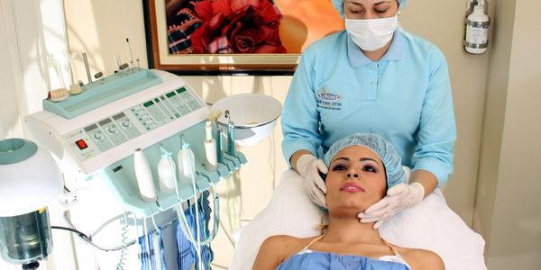Medellín estaría entre las 10 ciudades del mundo donde más cirugías estéticas se practican por volumen de población.