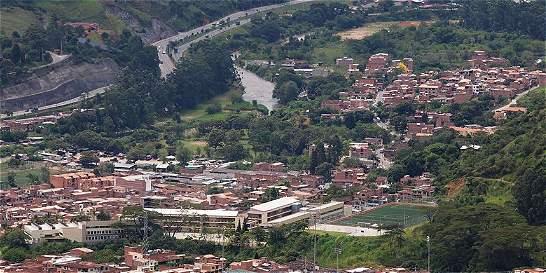Camión de carga deja un niño muerto y a otro herido en Antioquia