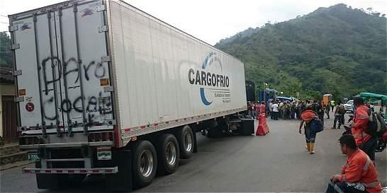 Transportadores bloquearon vía al mar en Antioquia