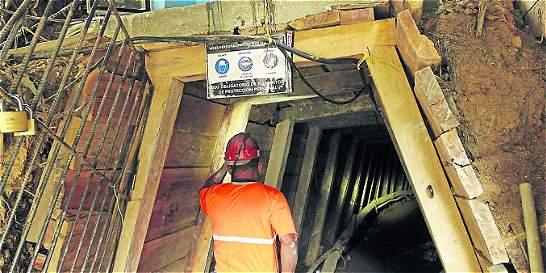 Ordenan el cierre de 40 minas en Antioquia