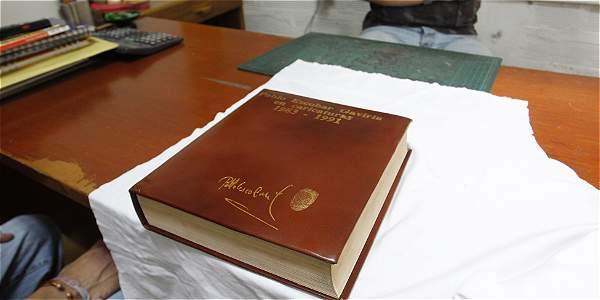 Libro De Oro De Pablo Escobar Archivo Digital De Noticias De Colombia Y El Mundo Desde 1 990 Eltiempo Com