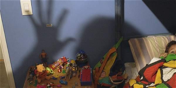 Una madre y su compañera sentimental abusaron de menor de 5 años.