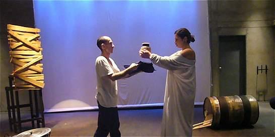 Las peripecias para hacer teatro en Medellín