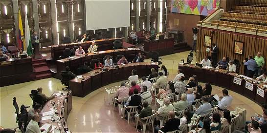 Asamblea pide a Invías agilizar flujo vehicular en La Huesera
