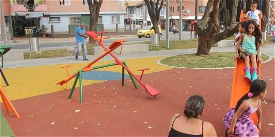 Renuevan parque tras 20 años de deterioro en la comuna 16 de Medellín