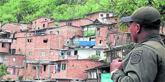 'Combos' cobran extorsiones en Medellín a cambio de no reclutar