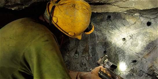 Mineros en Segovia fueron amarrados para robarles el oro
