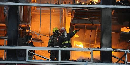 Controlan incendio que provocó evacuación del Metro en Medellín