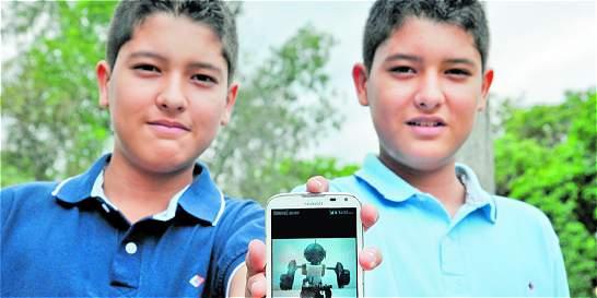 Los gemelos que se la juegan por la robótica