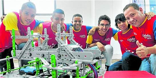 Robot educativo creado en Medellín gana concurso internacional