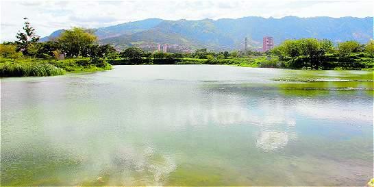 Tras la campaña, los bañistas aún visitan el lago ICA en Bello