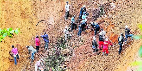 Deciden si continúa búsqueda de desaparecidos tras alud en el Chocó