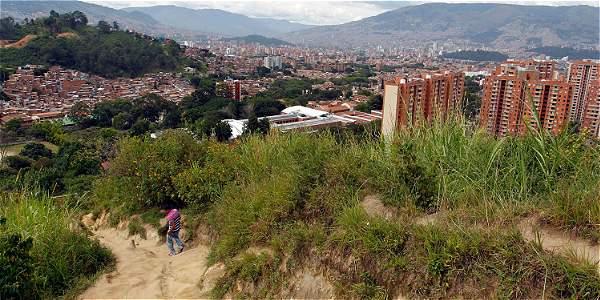Hay diferencias para conectar los cerros tutelares de for Presupuesto para construir una piscina en colombia