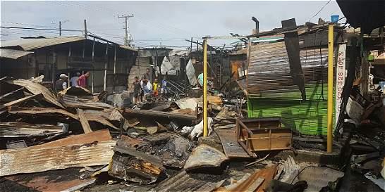 Investigan incendio que consumió 15 locales en Necoclí, Antioquia