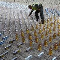 Incautan 6.000 botellas de licor ilegal y adulterado en Medellín