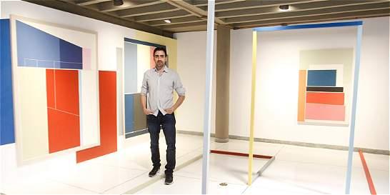La exposición de Aníbal Vallejo: una obra de arte que no es total