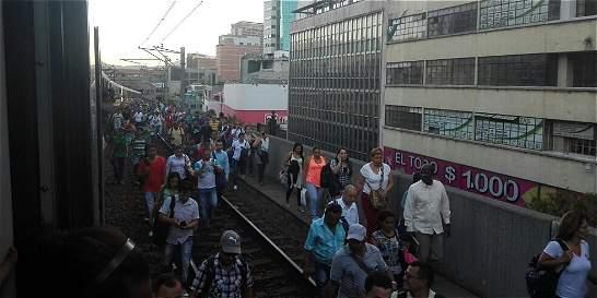 Por falla técnica, Metro suspendió servicio en ocho estaciones