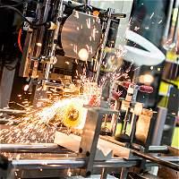 Falta 'apretar' más tecnología para el sector construcción