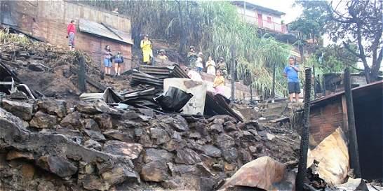 Tres menores de edad fallecieron tras incendio en Medellín