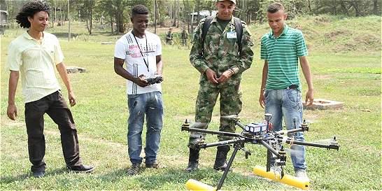 Antioqueño gana concurso con dron que 'huele' minas