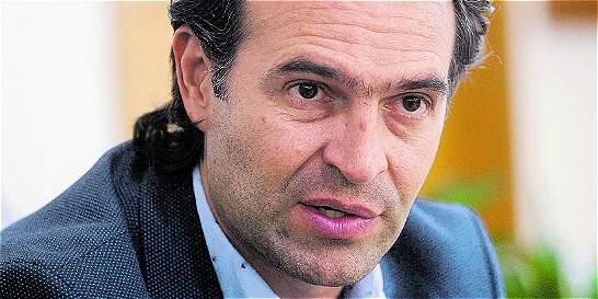 La Fiscalía cita a alcalde de Medellín por amenazas en su contra