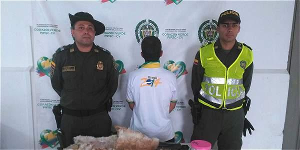 La Policía capturó  a este hombre que cazaba gatos y se los comía en Amagá (Antioquia).
