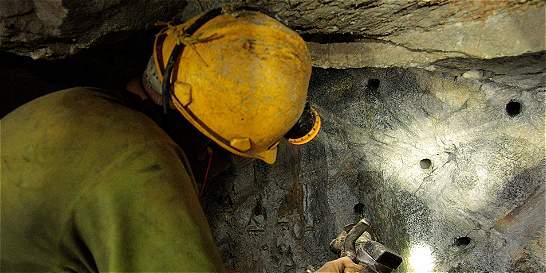 Al menos 5.000 mineros salieron a paro en Antioquia