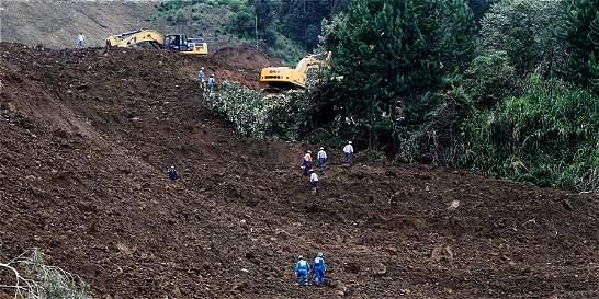 Revelan identidad de víctimas por derrumbe en la vía Medellín - Bogotá