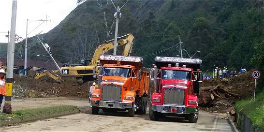 Decretan calamidad pública por derrumbe en autopista Medellín-Bogotá