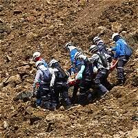 Ya van 10 cuerpos recuperados tras derrumbe en vía Medellín- Bogotá