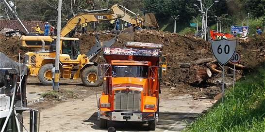 Fiscalía inicia investigación por derrumbe en la vía Medellín - Bogotá